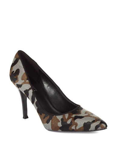 NINE WEST Camo Flax Pumps