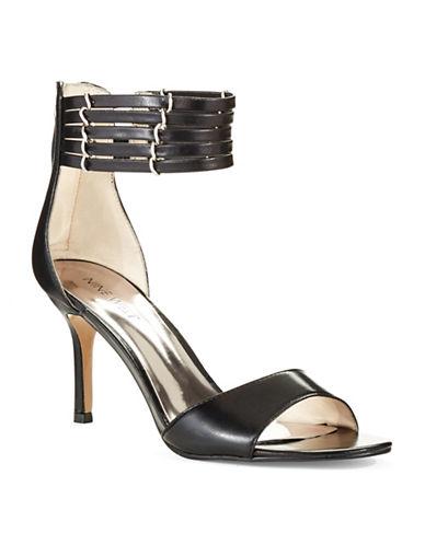 NINE WESTGhadess Sandals