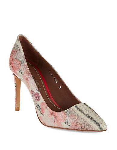 Donald J. Pliner Phillo Pumps