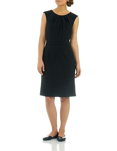 TAHARI ARTHUR S. LEVINEPetite Sleeveless Shift Dress