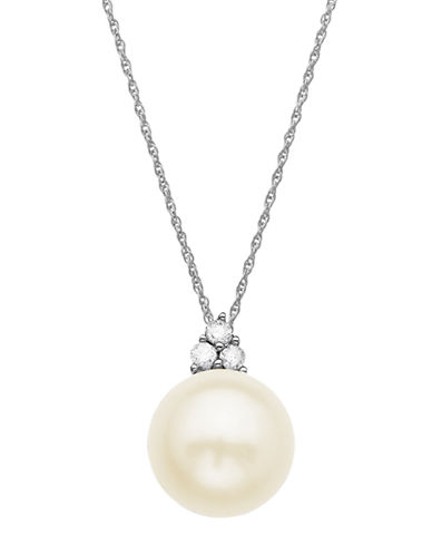 LORD & TAYLORFreshwater Pearl Pendant with Diamond Accent in 14 Kt. White Gold