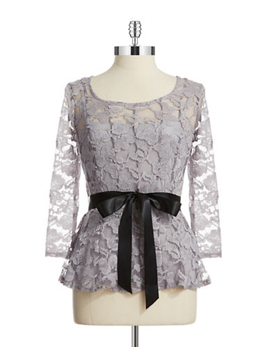 CHETTA BBelted Lace Top