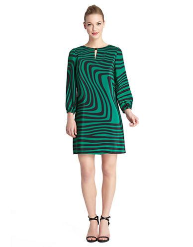 TAHARI ARTHUR S. LEVINEPetite Kristen Wavy Stripe Shift Dress
