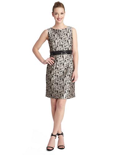 TAHARIPetite Belinda Vine Print Shift Dress