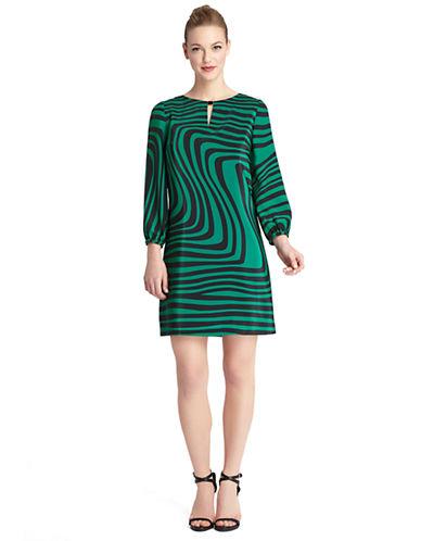 TAHARI ARTHUR S. LEVINEPlus Stanley Wavy Stripe Shift Dress