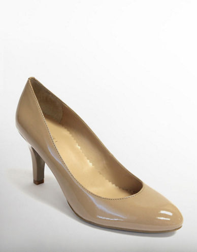 TAHARIWesterly Patent Leather Pumps