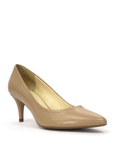 TAHARI Zoe Leather Pointed Toe Pumps