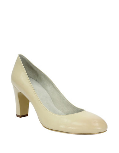 TAHARI Polly Leather Pumps