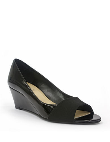 ELLEN TRACY Irie Patent Leather Wedges