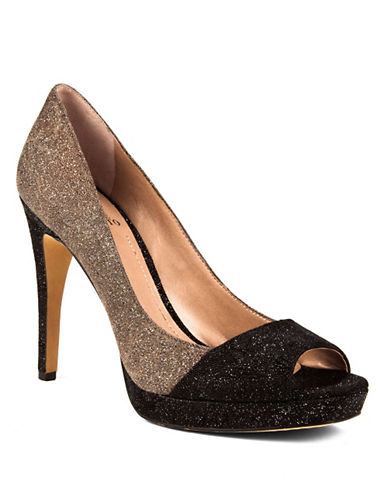 VINCE CAMUTO Timmons Dazzle Leather Pumps