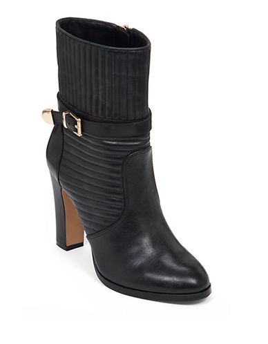 VINCE CAMUTOCurtis Leather Booties