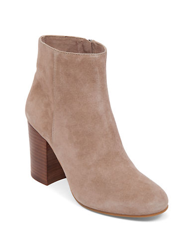 VINCE CAMUTOSabria Booties