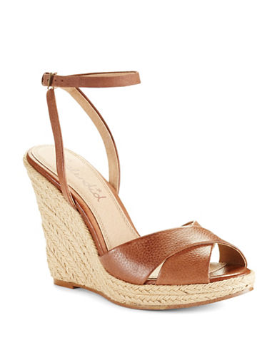 SPLENDID Benton Wedges