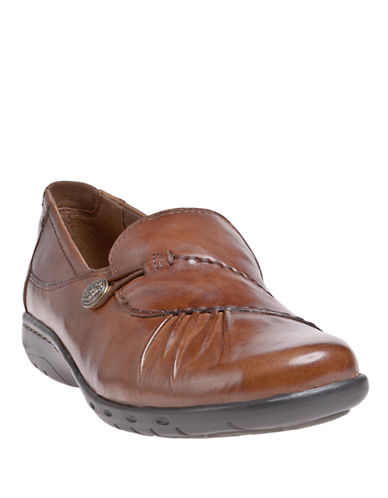 COBB HILLPaulette Pleated Leather Flats