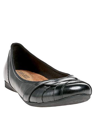 COBB HILL Eva Leather Lattice Flats