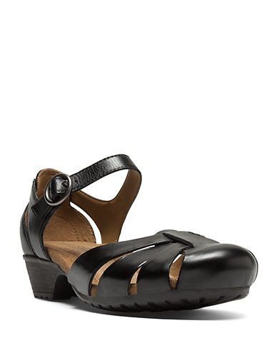 COBB HILL Gina Black Leather Flats