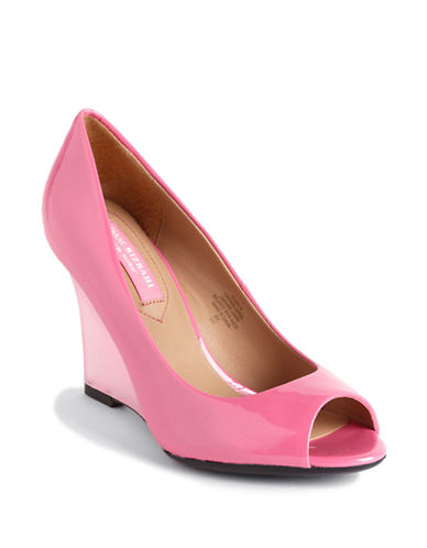 ISAAC MIZRAHI NEW YORK Jaylin Patent Leather Wedge Pumps