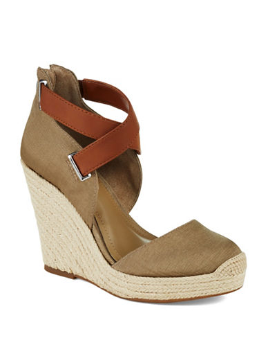 BCBGENERATION Glenda Wedges