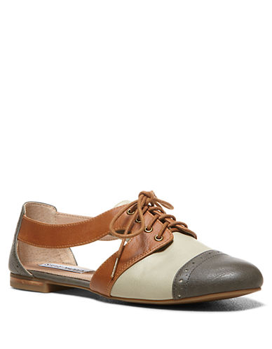 STEVE MADDEN Cori Leather Side-Cutout Oxfords