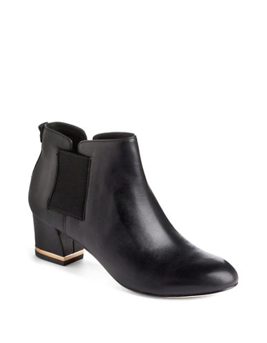 VINCE CAMUTO SIGNATUREBrice Leather Ankle Boots