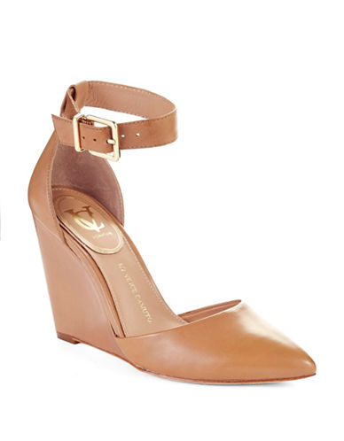 VINCE CAMUTO SIGNATURE Solanna Wedges