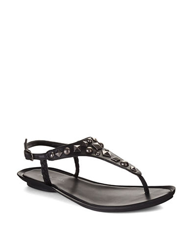 KENNETH COLE REACTION Snap Shut Thong Sandals