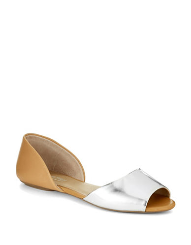 KENNETH COLE REACTIONTina Flats