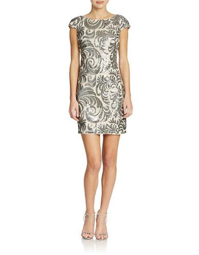 ADRIANNA PAPELLPetite Cap Sleeve Sequin Chiffon Dress