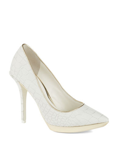 KENNETH COLE NEW YORK Gilmore Heels