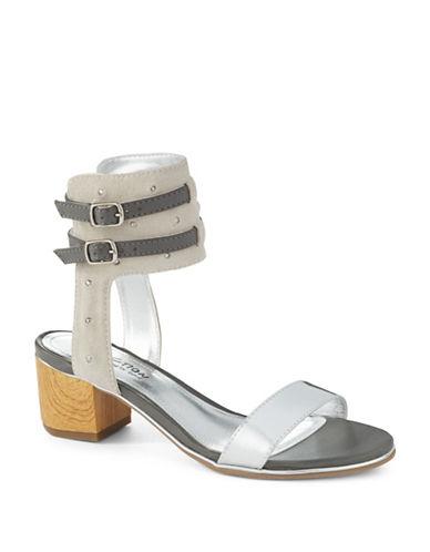 KENNETH COLE REACTIONSlawter Sandals