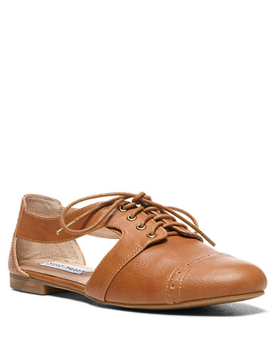 STEVE MADDENCori Leather Side-Cutout Oxfords