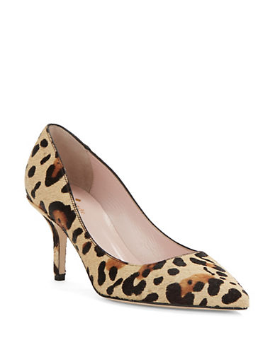 Unleash your wildside in these beautifully crafted pair of heels. They feature an all over leopard print design as well as a tall heel and a closed pointy toe. Pair with skinnies and a .