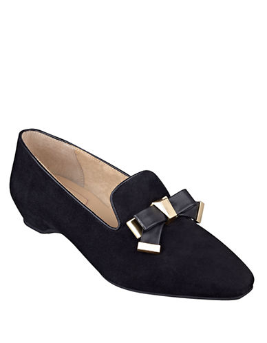ISAAC MIZRAHI NEW YORK French Suede Flats
