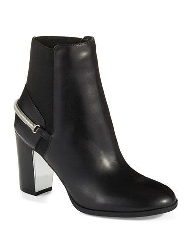 ISAAC MIZRAHI NEW YORKSpiffy Ankle Boots