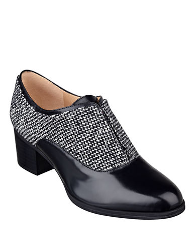 ISAAC MIZRAHI NEW YORKDarcy 2 Tweed and Leather Oxfords