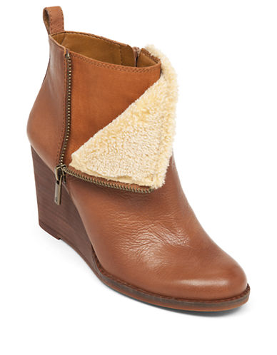 LUCKY BRANDYorque Leather Wedge Ankle Booties
