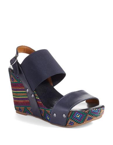 LUCKY BRANDMumbah Wedge Sandals