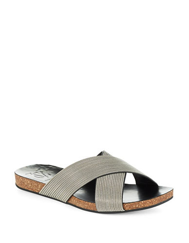 VINCE CAMUTO SIGNATURESaunders Chain-Link Sandals