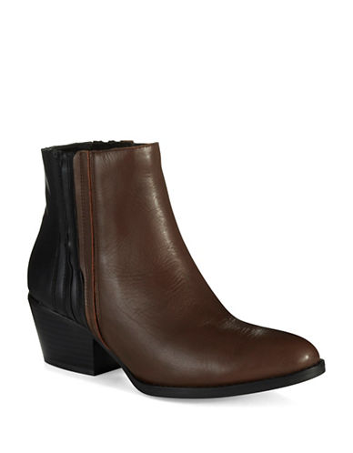 Buy Harlen Boots by Kenneth Cole New York online