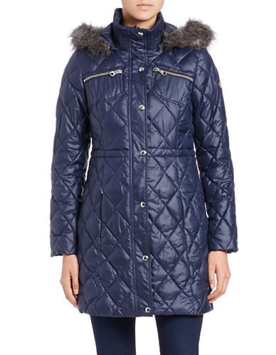guess female 202026 faux furtrimmed quilted jacket