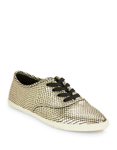 marc jacobs female carter embossed leather sneakers