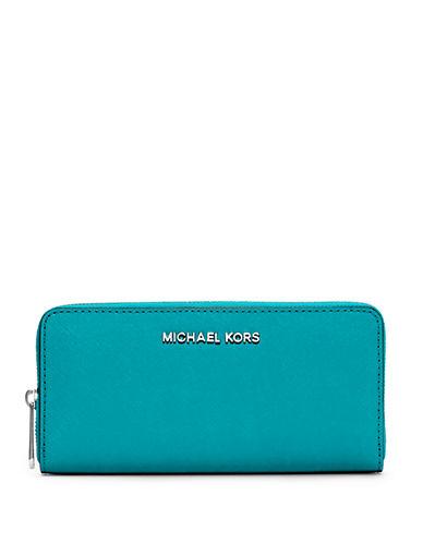 4c0b82255c68 UPC 889154347243 - Michael Michael Kors Jet Set Travel Zip Wallet ...