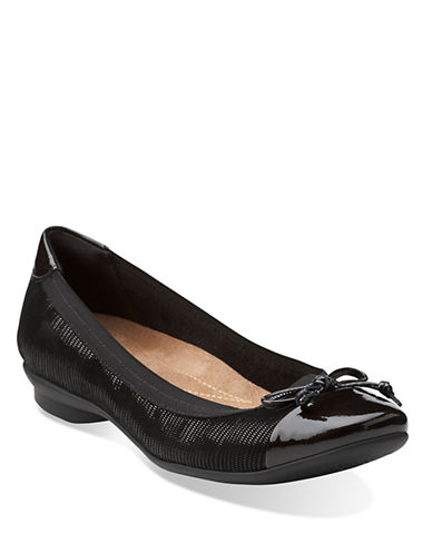 CLARKS Candra Glow Patent Leather Flats
