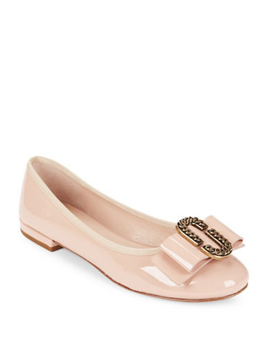 marc jacobs female interlock patent leather ballet flats