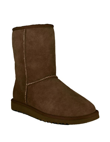 UGG AUSTRALIA Ladies Classic Short Sheepskin Lined Boots