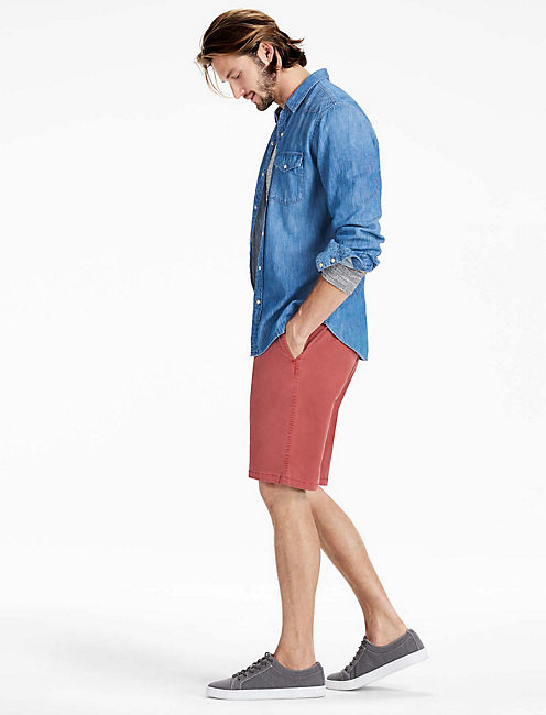 SATURDAY STRETCH SHORT, MARSALA RED