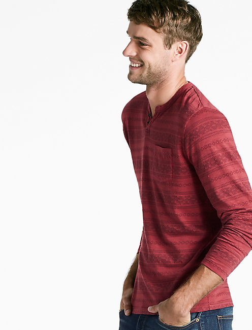 GEO PATTERN POCKET NOTCH TEE,