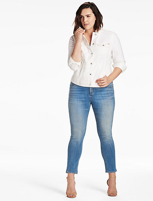 Lucky Plus Size Denim Trucker Jacket In White Botanical Toss