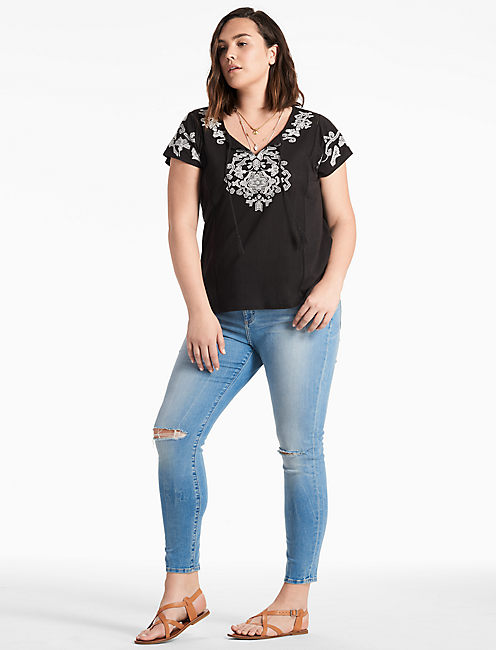 EMBROIDERED TASSEL TEE,