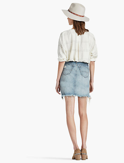OLD FAVORITE DENIM MINI SKIRT IN AZLE,